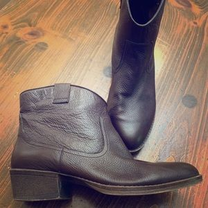 Kenneth Cole leather ankle boots